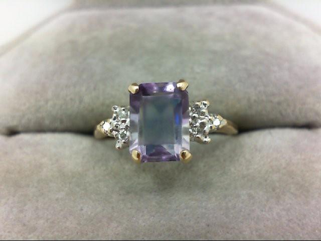 Amethyst Lady's Stone & Diamond Ring 6 Diamonds 0.06 Carat T.W. 14K Yellow Gold
