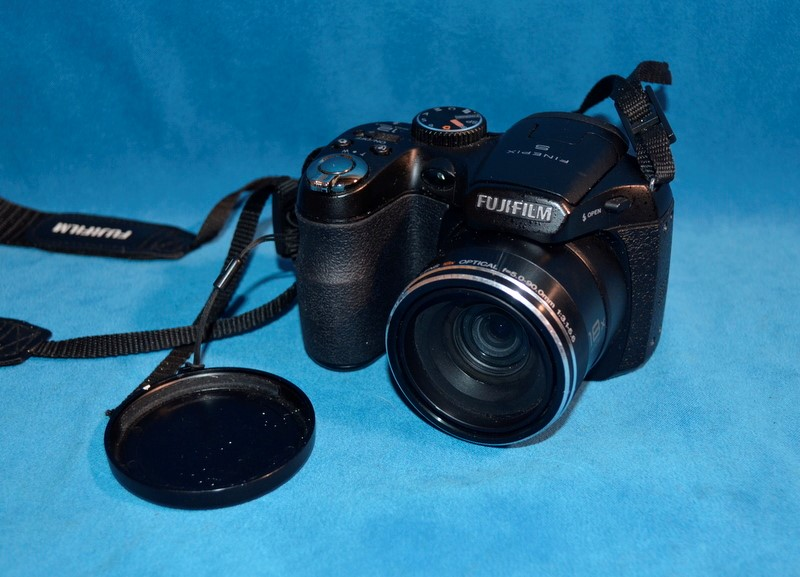 FUJI Digital Camera FINEPIX S2550HD