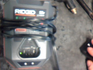 RIDGID Battery/Charger R86045