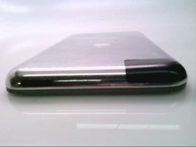 APPLE IPOD IPOD MA623LL/A 8GB.  FUNKY SCREEN.