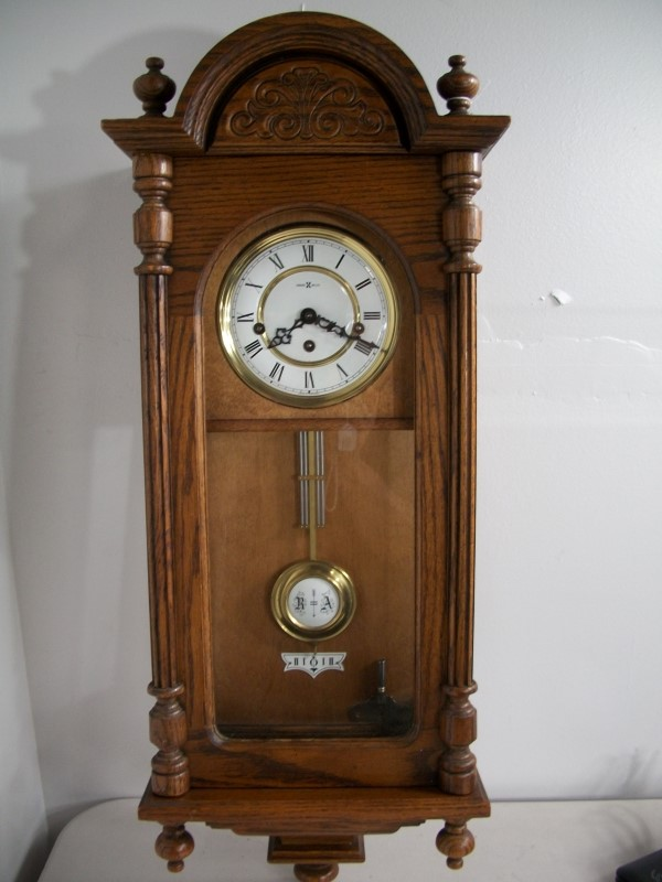 HOWARD MILLER CLOCK 612-426