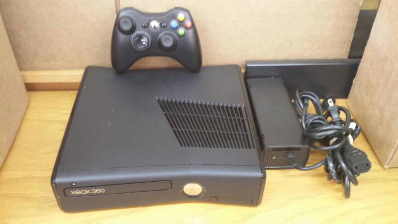 Microsoft Xbox 360 Slim 320gb