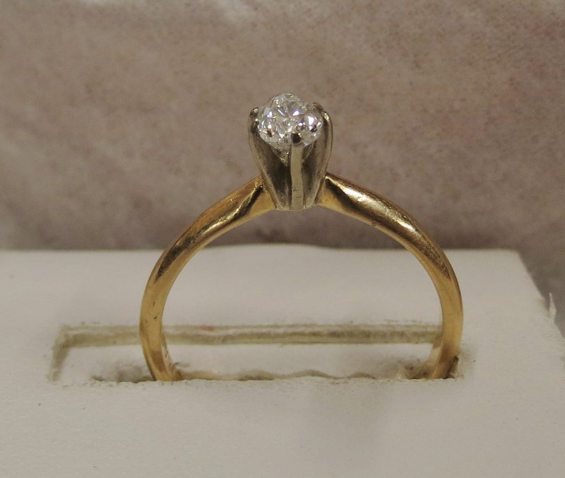 .40 TEARDROP SOLITAIRE SET IN YELLOW GOLD SIZE 6.5