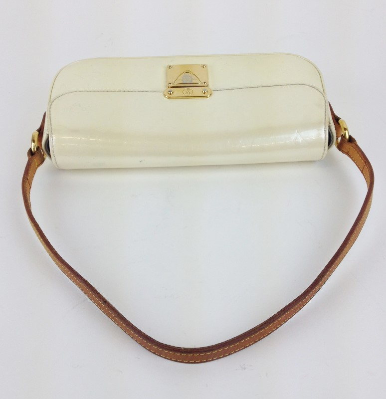 LOUIS VUITTON Handbag VERNIS POUCHETTE CREAM