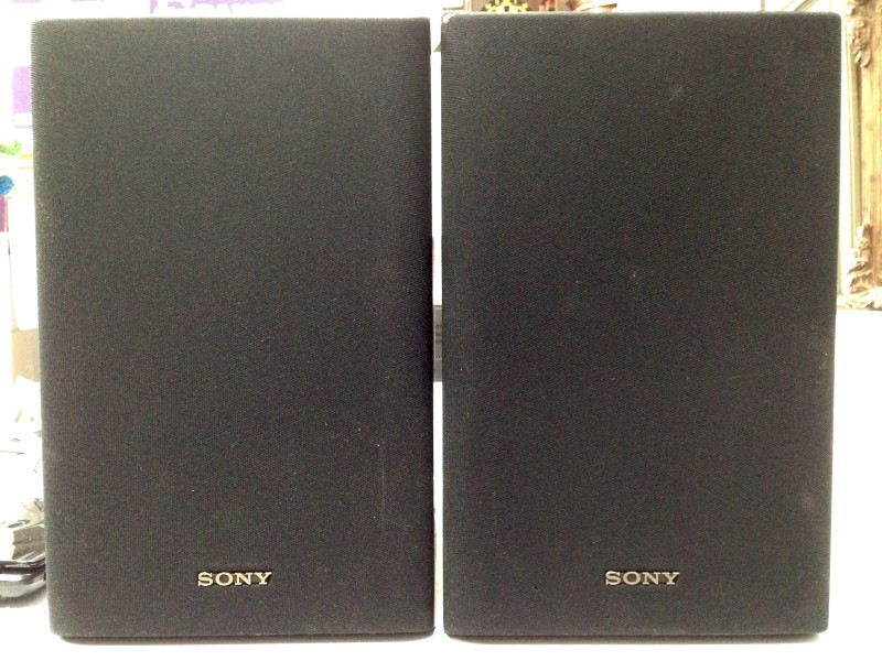 "SONY 2-WAY 6.5"" BOOKSHELF SPEAKERS, MODEL# SS-U3030, GOOD CONDITION."