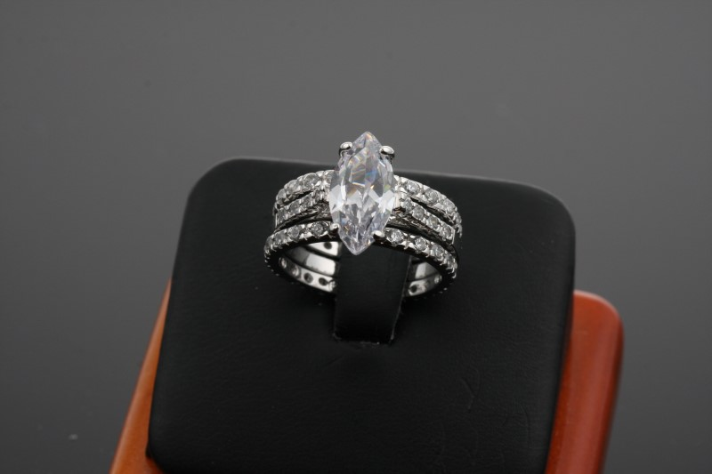 Lady's Silver Ring 925 Silver 6.73g Size:6.5