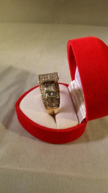 Lady's Diamond Cluster Ring 60 Diamonds 2.94 Carat T.W. 14K Yellow Gold 9.4g