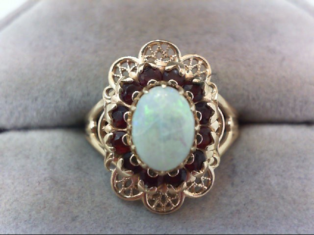 Beautiful Opal Lady's with Garnet Stones Ring 14K Yellow Gold 3.5g