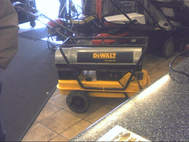 DEWALT Heater DXH135HD