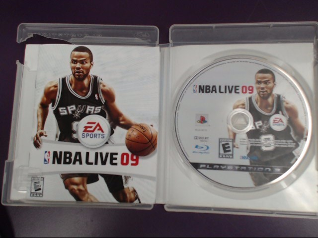NBA Live 09 (Sony Playstation 3, 2008) DAMAGED CASE!!