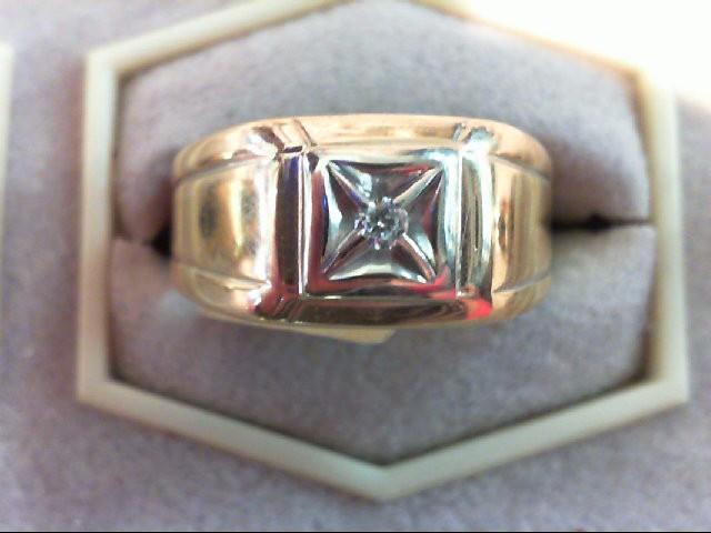 Gent's Diamond Fashion Ring .06 CT. 14K Yellow Gold 4.6g