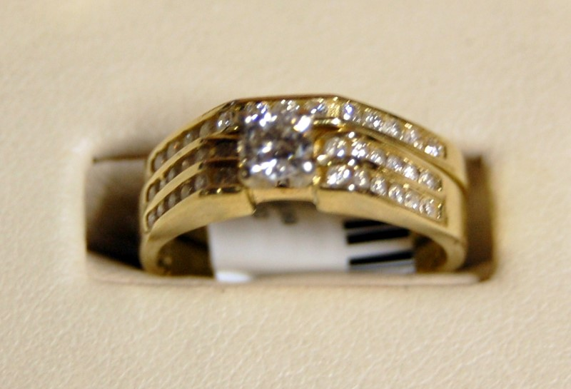 14K Yellow Gold Lady's Diamond Wedding Set 6.6G 0.76CTW Size 8 Unsoldered