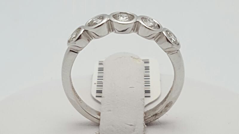 Lady's Diamond Fashion Ring 5 Diamonds 0.8 Carat T.W. 18K White Gold 3.4g Size:7