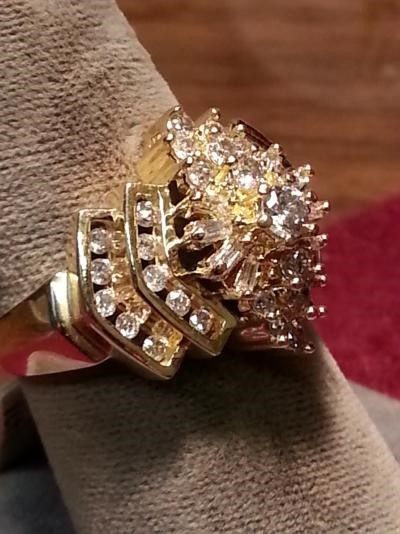 Lady's Diamond Cluster Ring 43 Diamonds 1.18 Carat T.W. 14K Yellow Gold 5.3dwt