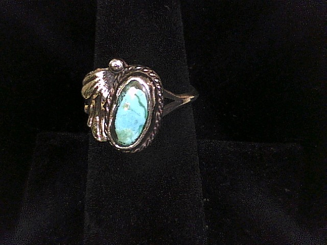 STERLING SILVER RING WITH TURQUOISE STONE