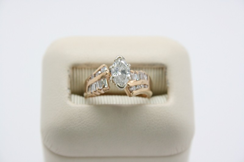 LADY'S DIAMOND FASHION RING 14K YELLOW GOLD