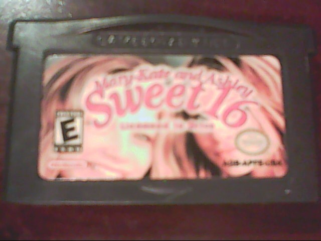 NINTENDO GBA Game MARY-KATE AND ASHLEY SWEET 16 LICENSED TO DRIVE