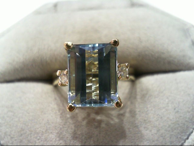 3 1/2 Carat + Aquamarine Lady's Stone & Diamond Ring 2 Diamonds .06 Carat T.W.