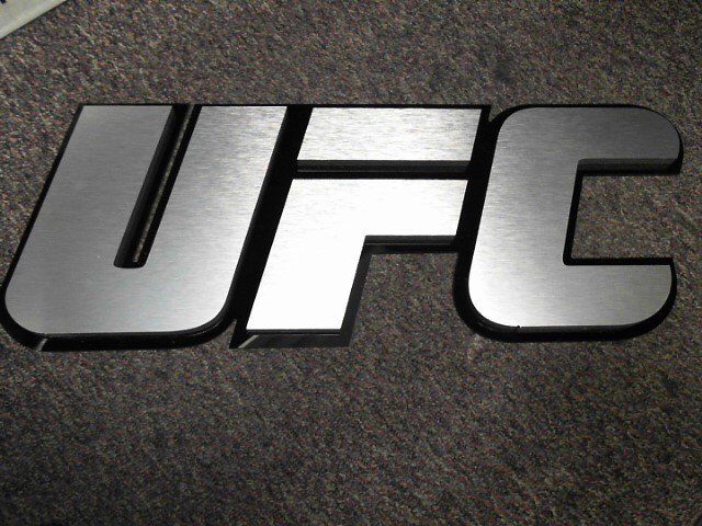 UFC Sign UFC ULTIMATE FIGHTING CHAMPIONSHIP PLEXIGLASS SIGN