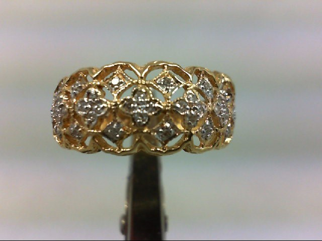 Lady's Diamond Cluster Ring 32 Diamonds .32 Carat T.W. 14K Yellow Gold 2.9g