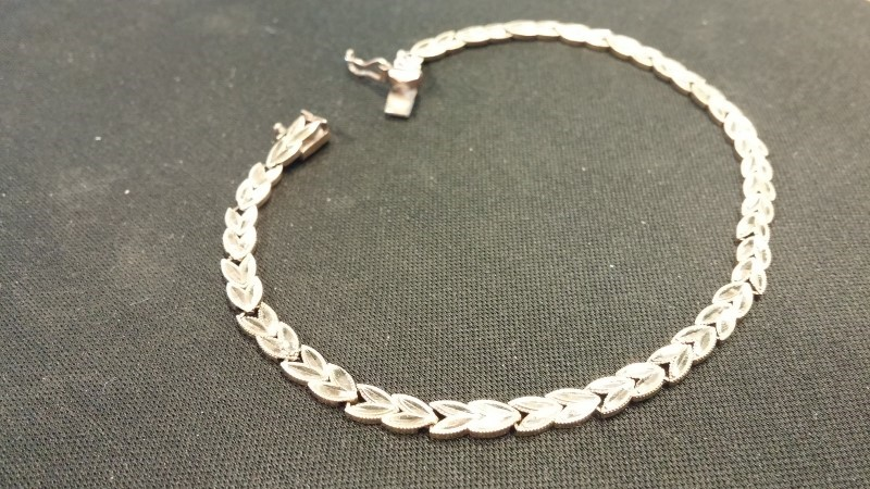 GENTS 10KT Gold Bracelet LEAVES 10K Yellow Gold 2.7dwt