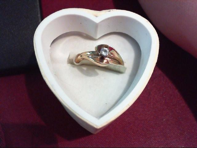 Lady's Diamond Engagement Ring .08 CT. 14K Yellow Gold 3.1g