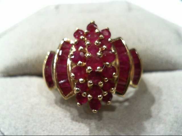 Ruby Lady's Stone Ring 14K Yellow Gold 5.5g