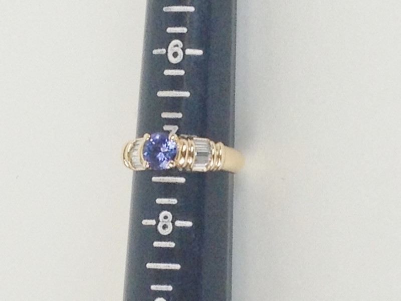 Tanzanite Lady's Stone & Diamond Ring 10 Diamonds 1.00 Carat T.W.