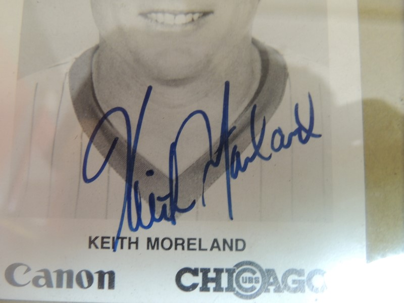 KEITH MORELAND AUTOGRAPHED CHICAGO CUBS PHOTOGRAPH 7x5