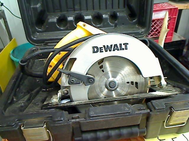 DEWALT Circular Saw DW362