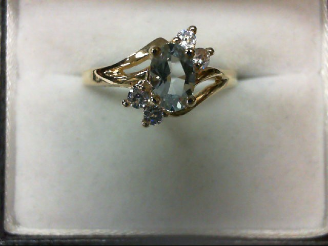 Aquamarine Lady's Stone Ring 10K Yellow Gold 1.8g