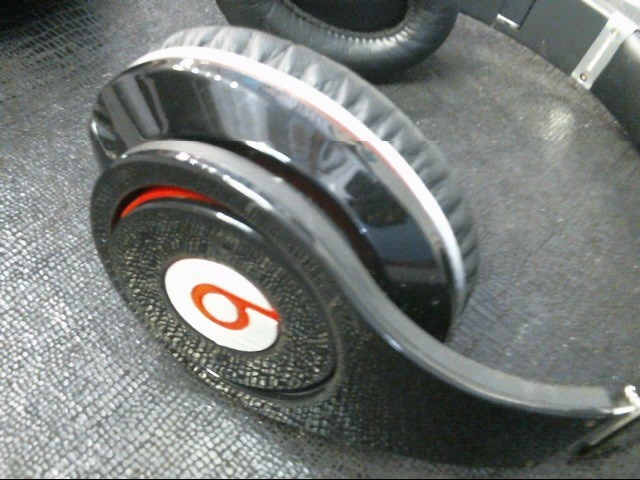 BEATS BY DR DRE Headphones SOLO