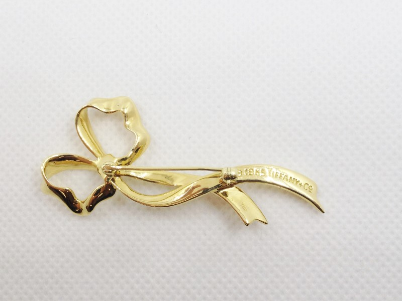 Tiffany & Co. Vintage 70's Circa Brooch Pin Ribbon Pin 18K Yellow Gold 8.08g