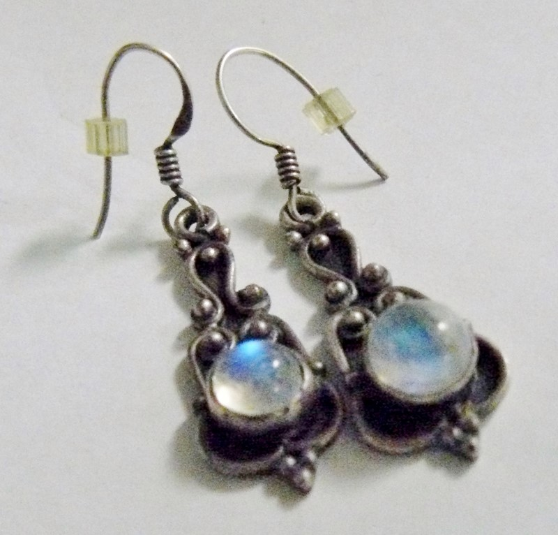 Bali Moonstone Silver-Stone Earrings 925 Silver 3.4dwt
