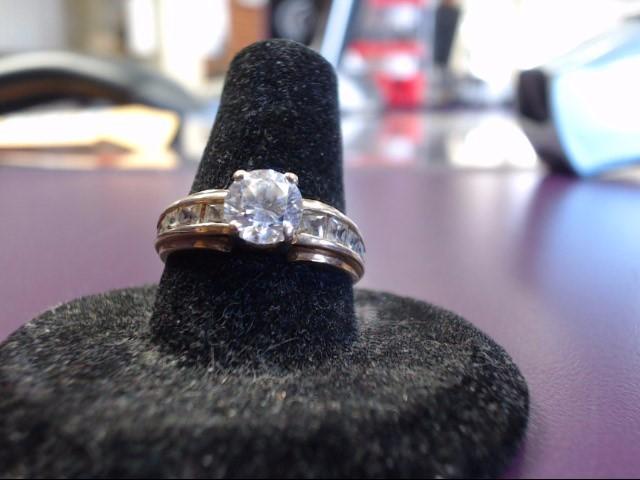 White Stone Lady's Stone Ring 14K Yellow Gold 3.6g