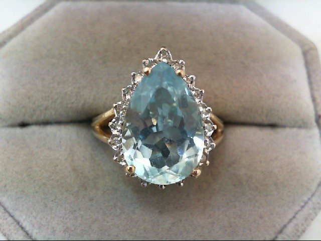 Blue Topaz Lady's Stone & Diamond Ring 20 Diamonds .20 Carat T.W.