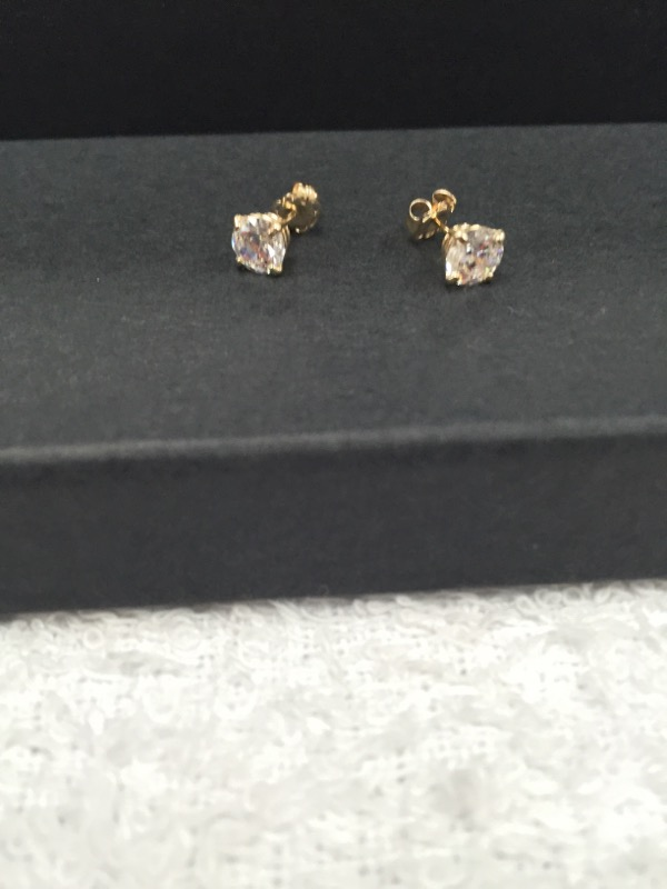 Synthetic Cubic Zirconia Gold-Stone Earrings 14K Yellow Gold 0.7g