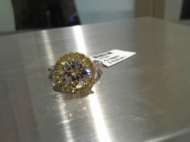 Diamond 3.03 CT. 18K 2 Tone Gold 5.5g