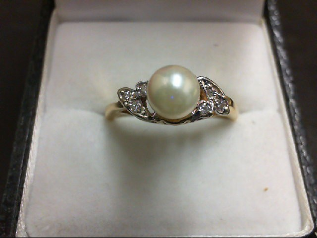 Pearl Lady's Stone & Diamond Ring 6 Diamonds 0.06 Carat T.W. 14K Yellow Gold 3.5