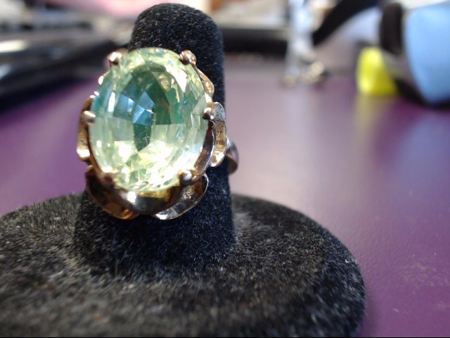 Green Stone Lady's Stone Ring 10K Yellow Gold 8.4g Size:7
