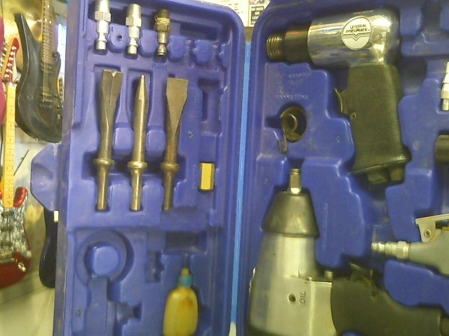 CENTRAL PNEUMATIC Air Impact Wrench 91105