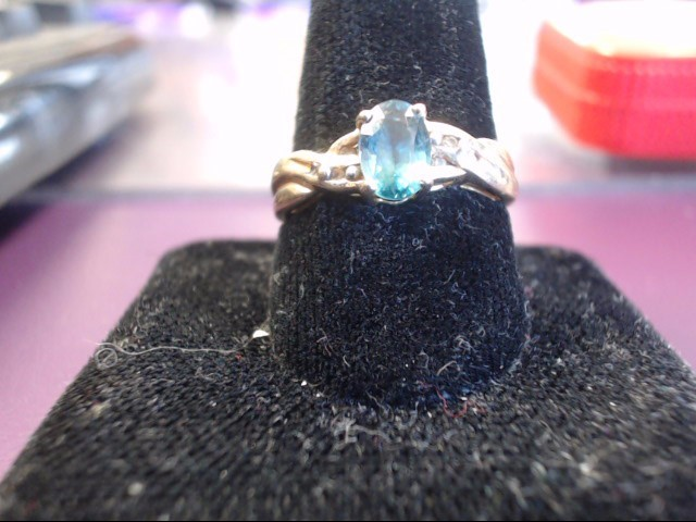 Aquamarine Lady's Stone Ring 14K Yellow Gold 2.8g