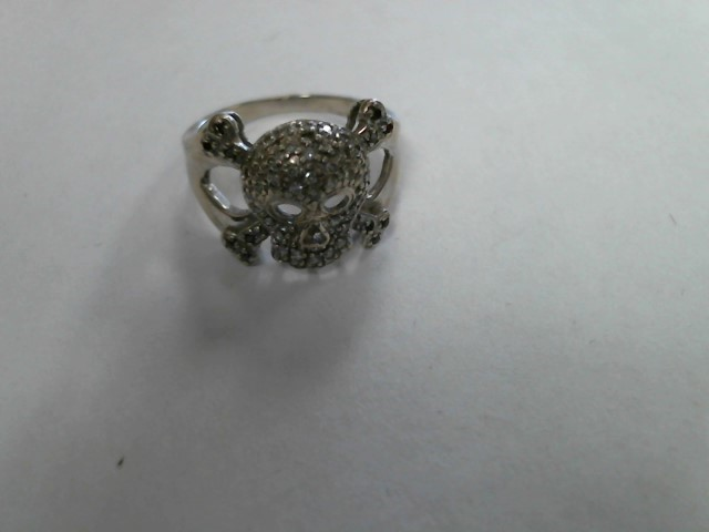 Lady's Gold Ring 10K White Gold 2.7dwt