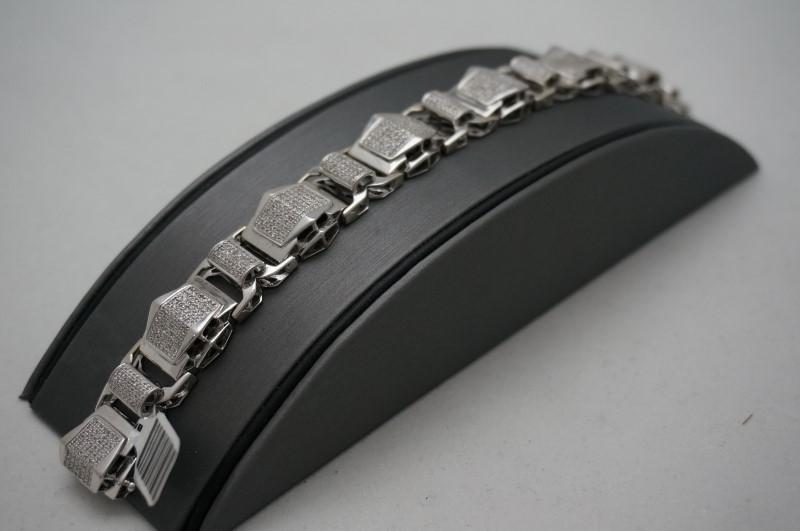 Gold-Diamond Bracelet 500 Diamonds 5.00 Carat T.W. 10K White Gold 33.3dwt