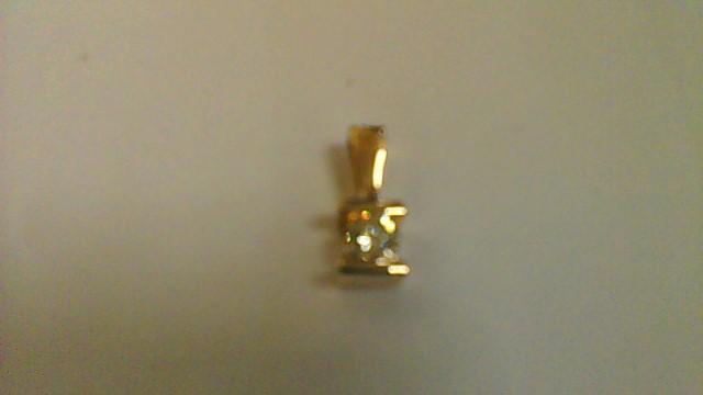 Lady's 14k yellow gold 1/4ct round diamond pendant