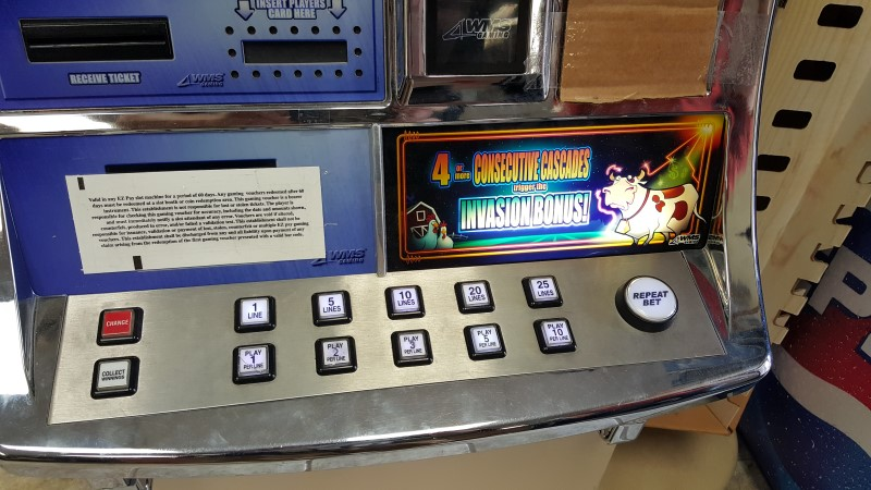 """WMS WILLIAMS VIDEO SLOT MACHINE """"Invaders from the Planet Moolah"""""""