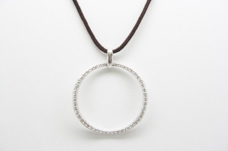 FASHION STYLE DIAMOND PENDANT 18K WHITE GOLD