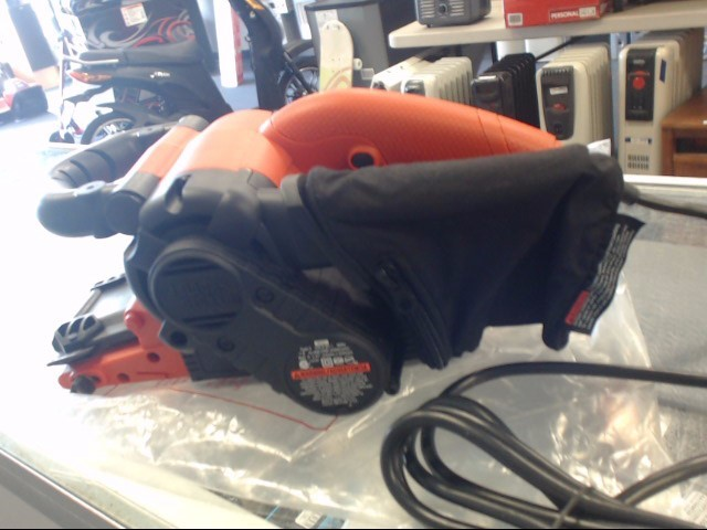 BLACK & DECKER Belt Sander DS321