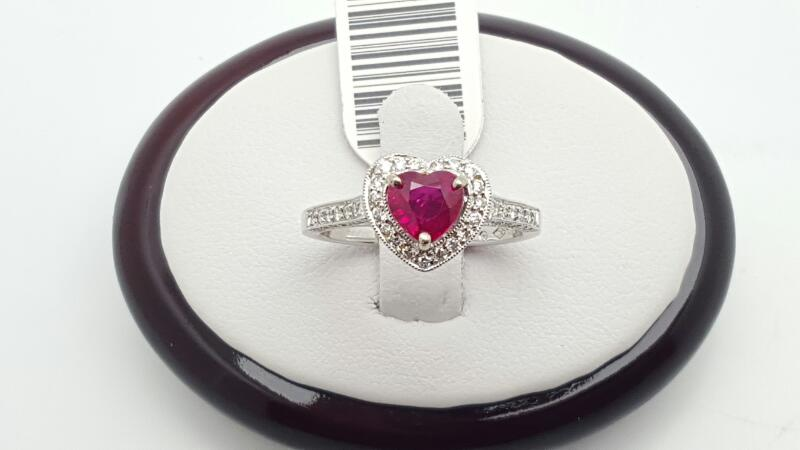 Lady's ruby & Diamond Ring 75 Diamonds .47 Carat T.W. 18K White Gold 4.1g