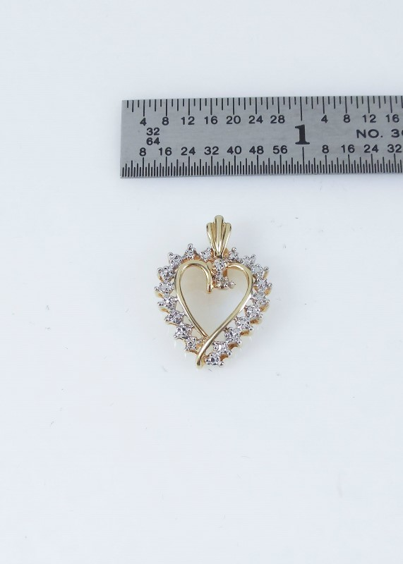 Gold Pendant 10K Yellow Gold 1.4g